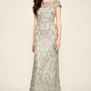 $368 Tadashi Shoji Lace /& Tulle Illusion White Nude Sleeveless Sheath Dress